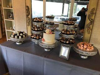 Flavor Cupcakery & Bake Shop 1