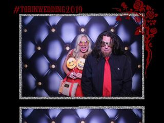 Mirrored Memories Photo Booth 3