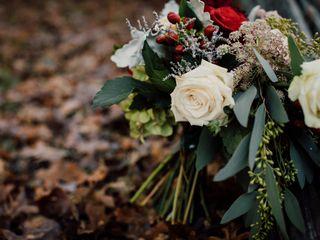Kacie Cooper - Floral Designer 5