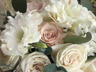Pearls & Roses 3
