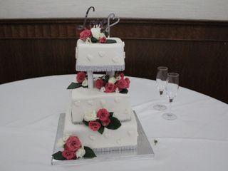 Bella's Custom Cakes 3