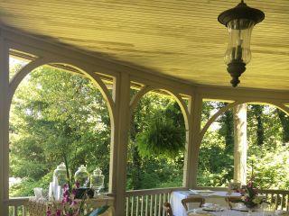 Country Creek Farmhouse Tables 1