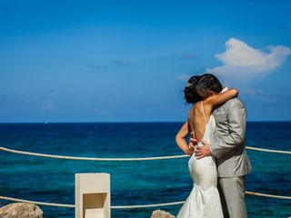 Mike Cantarell Films & Cancun Wedding Video 2