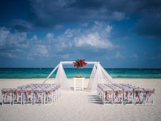 Sandos Playacar Beach Resort 2