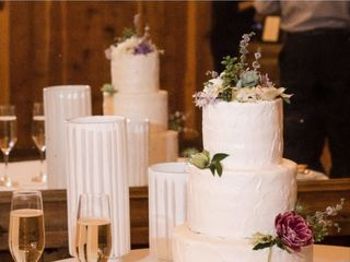 Michele's Corner Wedding Cakes 3