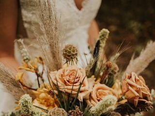 Poppy Belle Event & Floral Design 5