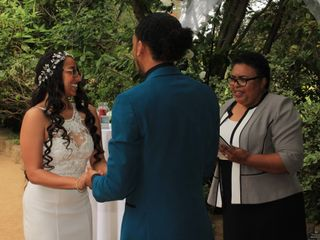 Officiant Lady 1