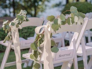 Mountain Oak Florist and Design 3