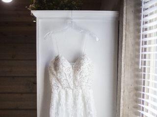 Linde's Bridal & Prom 1