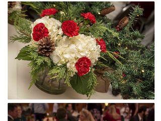 Pondeleks Florist & Gifts 3