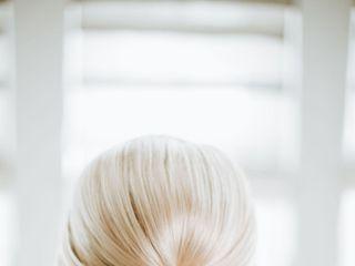 Gloss Makeup and Hair 2