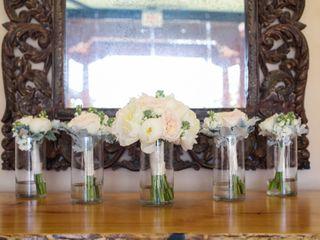 LUX Wedding Florist 1