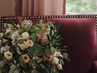 Roni's Roses Floral Design, LLC 3