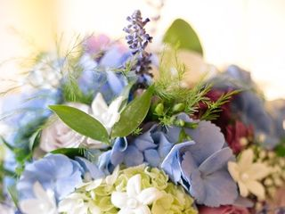 All In The Details Floral Design 1