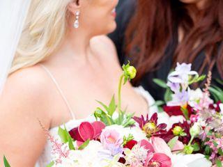 Tourterelle Floral Design 3