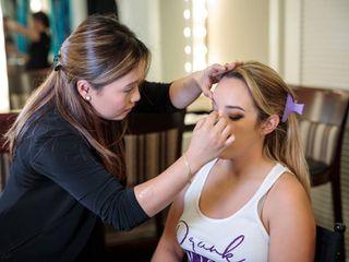 Grace Young PRO Makeup Artist 3