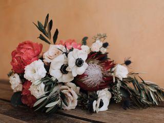 Form Floral Design 5