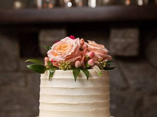 Sweet Promises Wedding Cakes 1