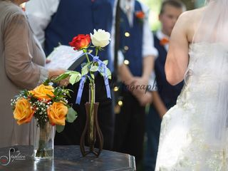 Serving Hands Weddings and Flowers 4