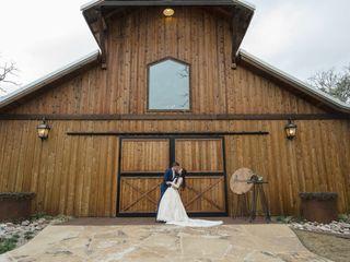 Whispering Oaks Wedding Venue 1