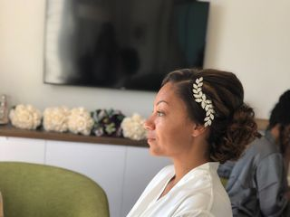 In Your Face Beauty Bar | Jamaican Makeup Artist 5