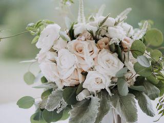 Ten Point Floral Design 6