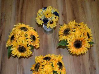 Dawn's Special Memories Wedding Flowers 4