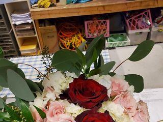 Bloomingdays Flower Shop 3
