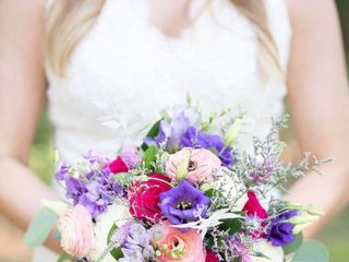 Flowers by Zoie - Weddings and Events 1