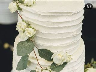 Wade Cakes and Weddings, LLC 4