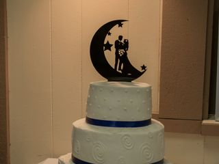Custom Wedding Cakes by Penny 3