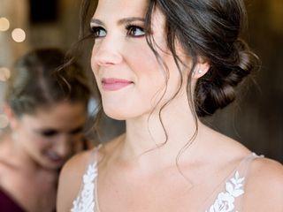 Danielle Gonzalez Hair & Makeup Artistry 3