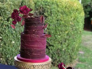Custom Cakes by Tara 3