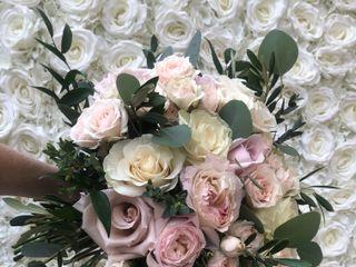 Simply Roses 1