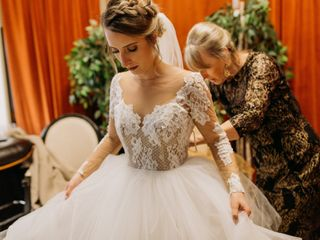4d850fd3cac8 Hayley Paige - Dress & Attire - New York, NY - WeddingWire