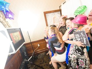 All That Events DJ - Up Lighting - Photo Booth - Candy Buffet 5