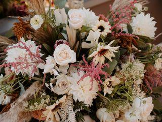 Kinship Floral 5