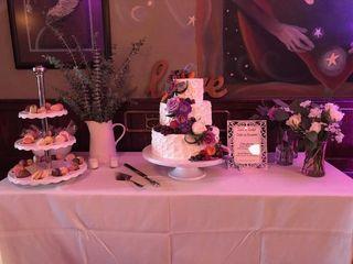 Custom Cakes 5