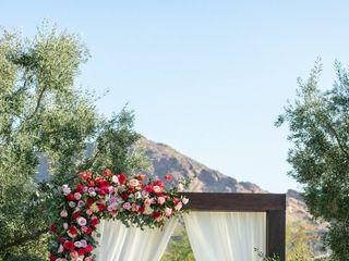 LUX Wedding Florist 2