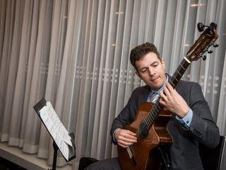 Jim Falbo (classical/romantic acoustic guitarist) 1