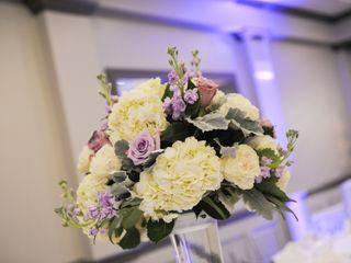 Fleur-tatious Floral Design 7