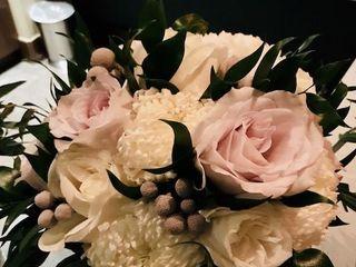 Shannon Loves Flowers 4