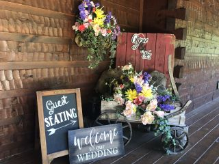 Gatlinburg's Little Log Wedding Chapel 1