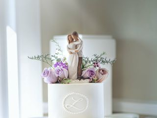 Couture Cakes of Greenville 5
