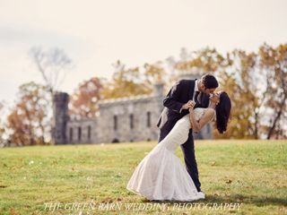 The Green Barn Wedding Photography, LLC 1