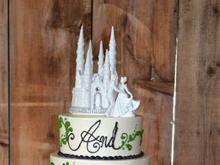 Monzu Bakery & Custom Cakes (Bistro) 7