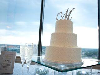 Holly's Cakes LLC 3