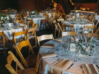 Linen Hero by Chair Covers & Linens 4