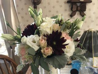 Bouts & Bouquets Flower Shop 2