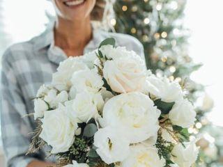 Weddings by Linda's Florist 3